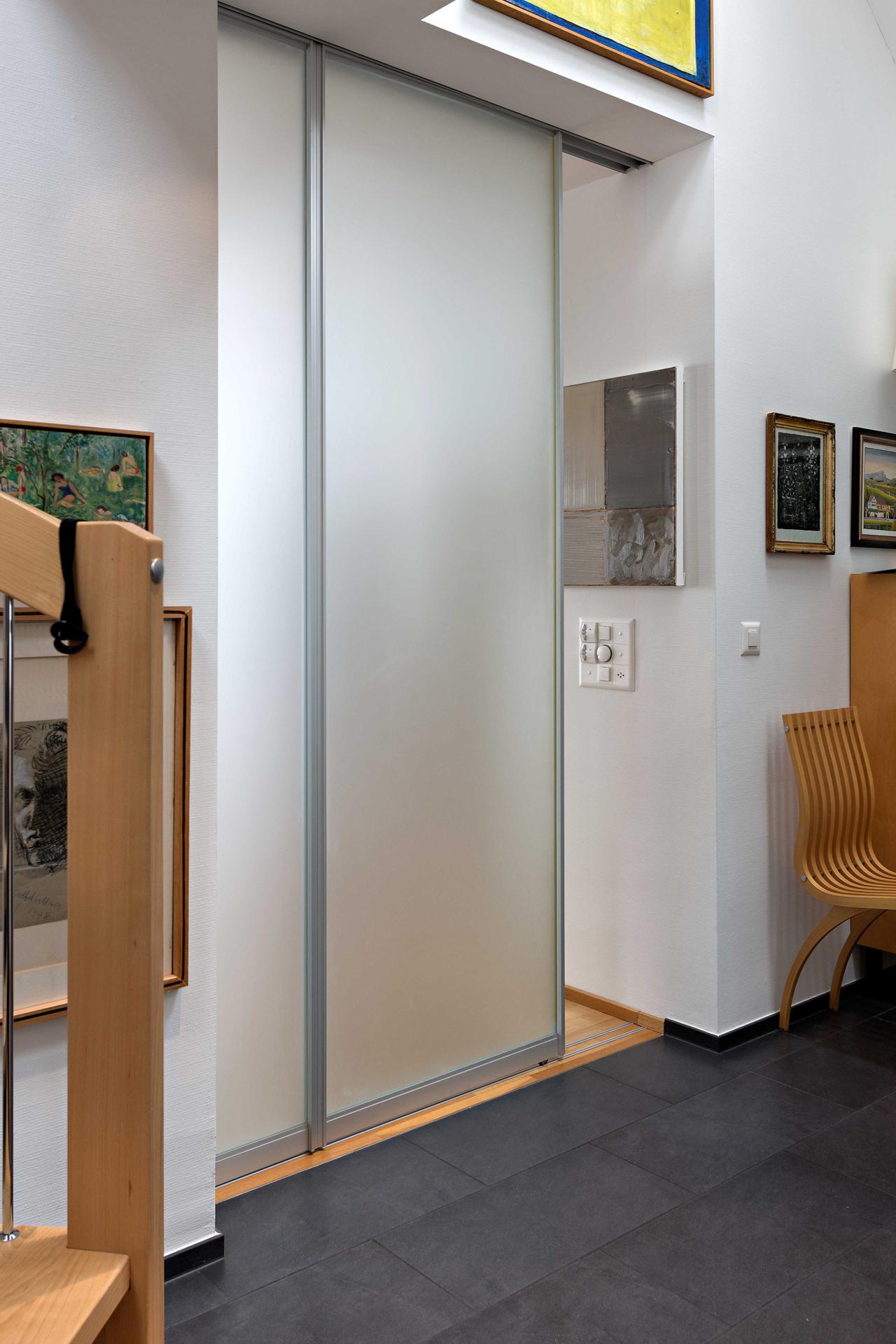 trennwand aus zwei schiebet ren komplett in die wand. Black Bedroom Furniture Sets. Home Design Ideas