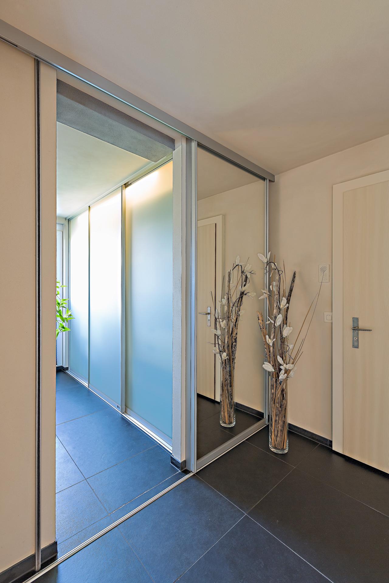 schiebet r f r badezimmer die besten einrichtungsideen und innovative m belauswahl. Black Bedroom Furniture Sets. Home Design Ideas